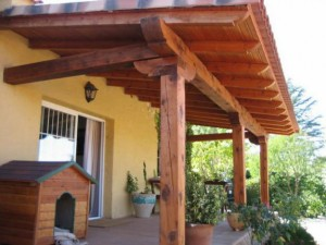 Instalaci n y venta de cesped artificial madrid madera - Porches de madera en madrid ...